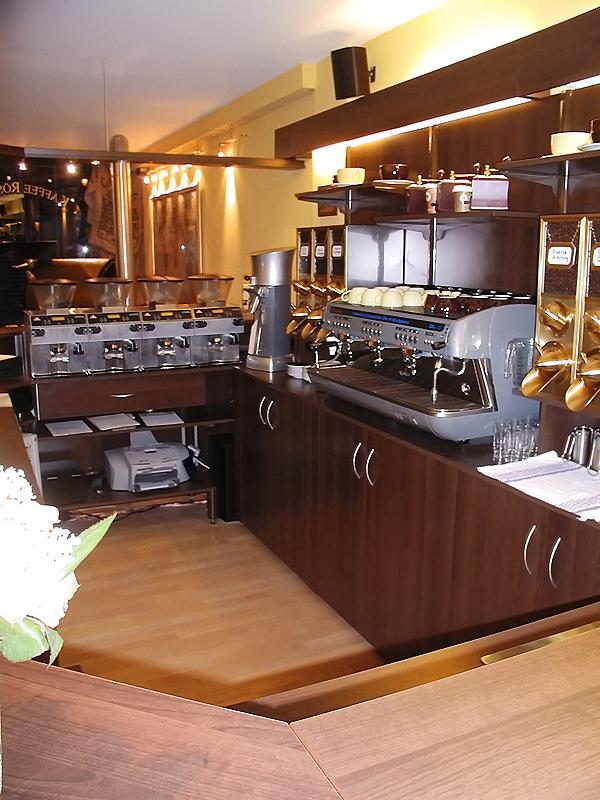 cafeeinrichtungen vom ladenbauprofi. Black Bedroom Furniture Sets. Home Design Ideas