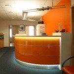 Praxis-Einrichtung-Empfangstheke-Büromöbel-01